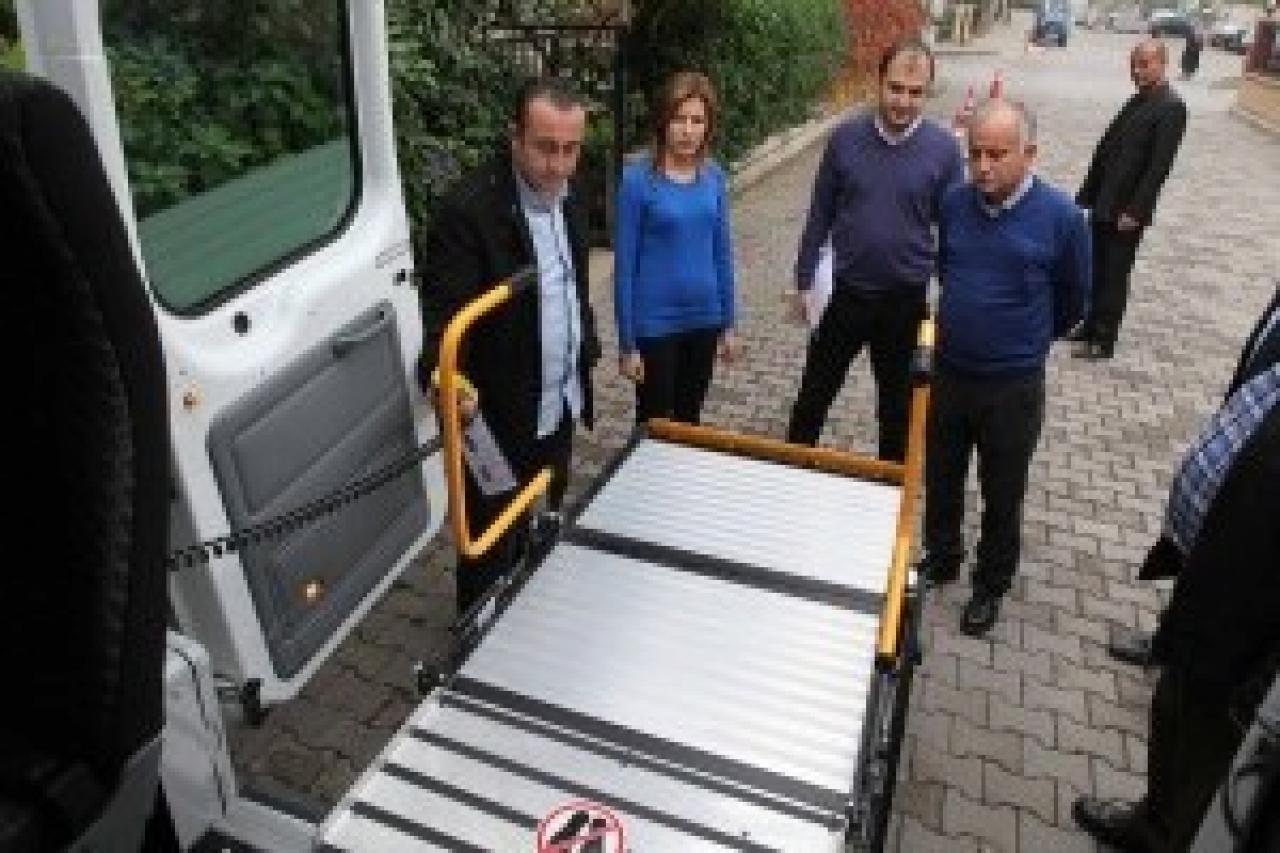 Bayraklı Belediyesi'nin Üçüncü Engelli Aracı Hizmete Girdi....