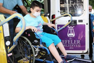 Efeler Belediyesi Engelli Hizmet Aracını Tanıttı...